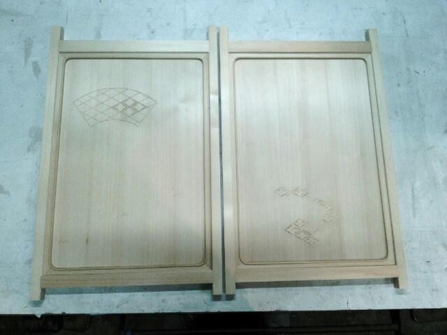 2017年 扇意匠を施した 紐出し板戸製作